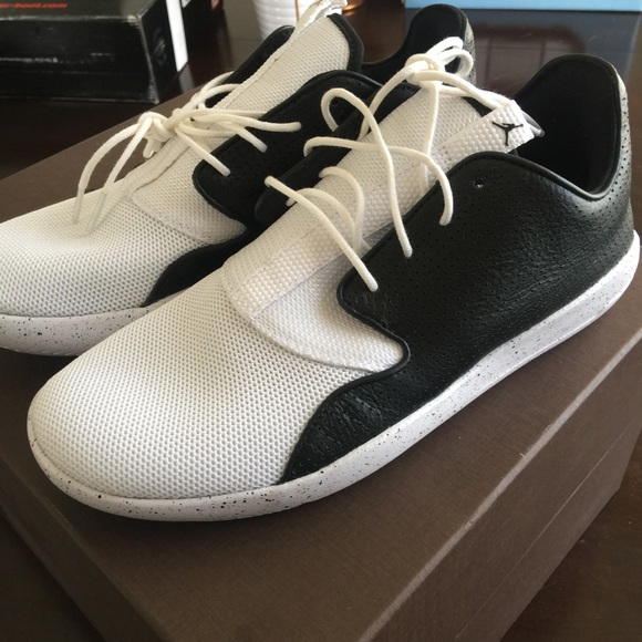 sports shoes 44ae4 e1781 Jordan Eclipse White & Black